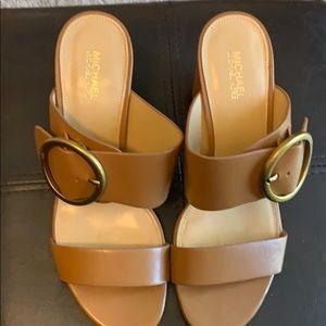 Michael kors leather tan heels